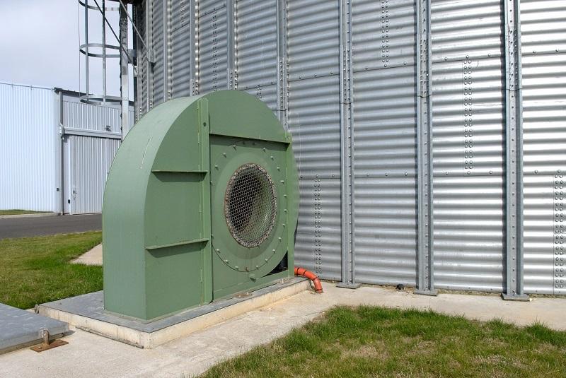 Meteobot Silos има управляващ модул за до 16 вентилатора на силози
